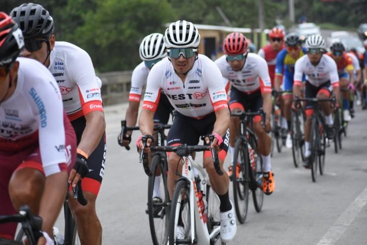 Byron Guamá gana la segunda etapa de la Vuelta al Ecuador