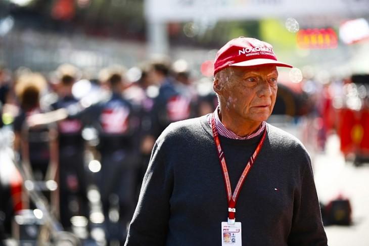 Niki Lauda será enterrado con un mono de competición