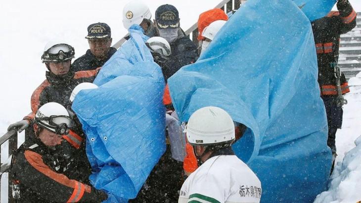 Al menos 8 adolescentes fallecidos por una avalancha de nieve en Japón