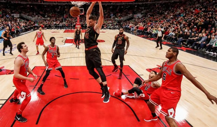 Trail Blazers, Jazz, Rockets y Spurs ganan en el Oeste; Cavaliers en el Este (Resumen)