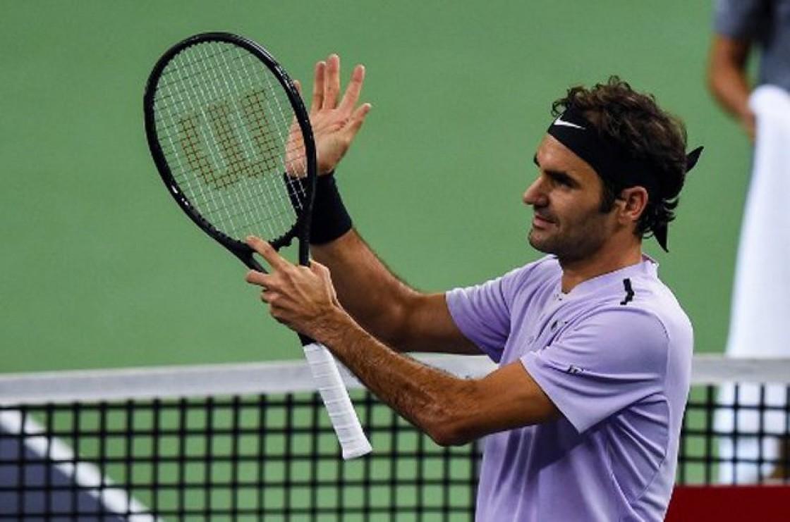 El suizo Federer no tuvo problemas ante Alexandr Dolgopolov y lo venció en dos sets