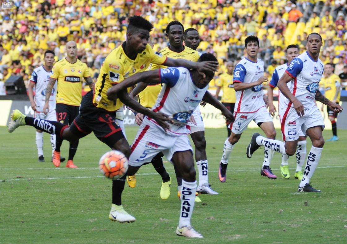 El defensor ha tenido minutos en este último tramo del torneo debido a la lesión de Darío Aimar