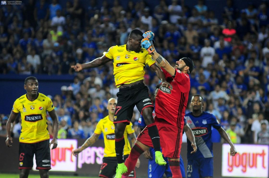 Marcos Caicedo respondió a las críticas de su rendimiento en el duelo ante Emelec