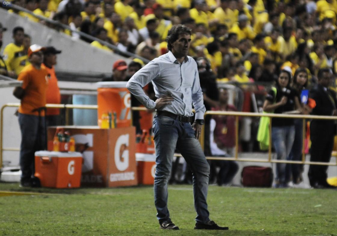 Guillermo Almada indicó que la prioridad de Barcelona es Copa Libertadores