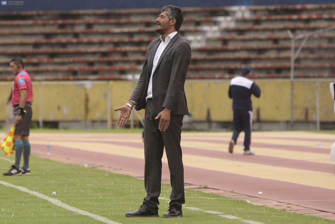 Gustavo Munúa ve con optimismo el desempeño de LDU ante Barcelona este miércoles