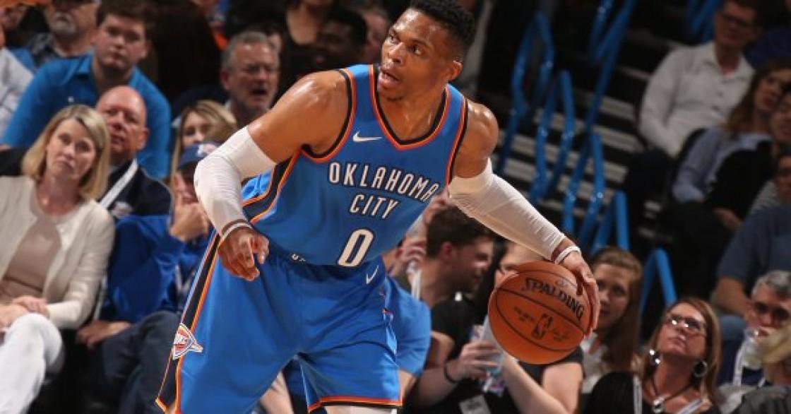 Westbrook logró su décimo noveno triple-doble de la temporada y ayudó a los Thunder a un importante triunfo por 104-94 sobre los Spurs de San Antonio