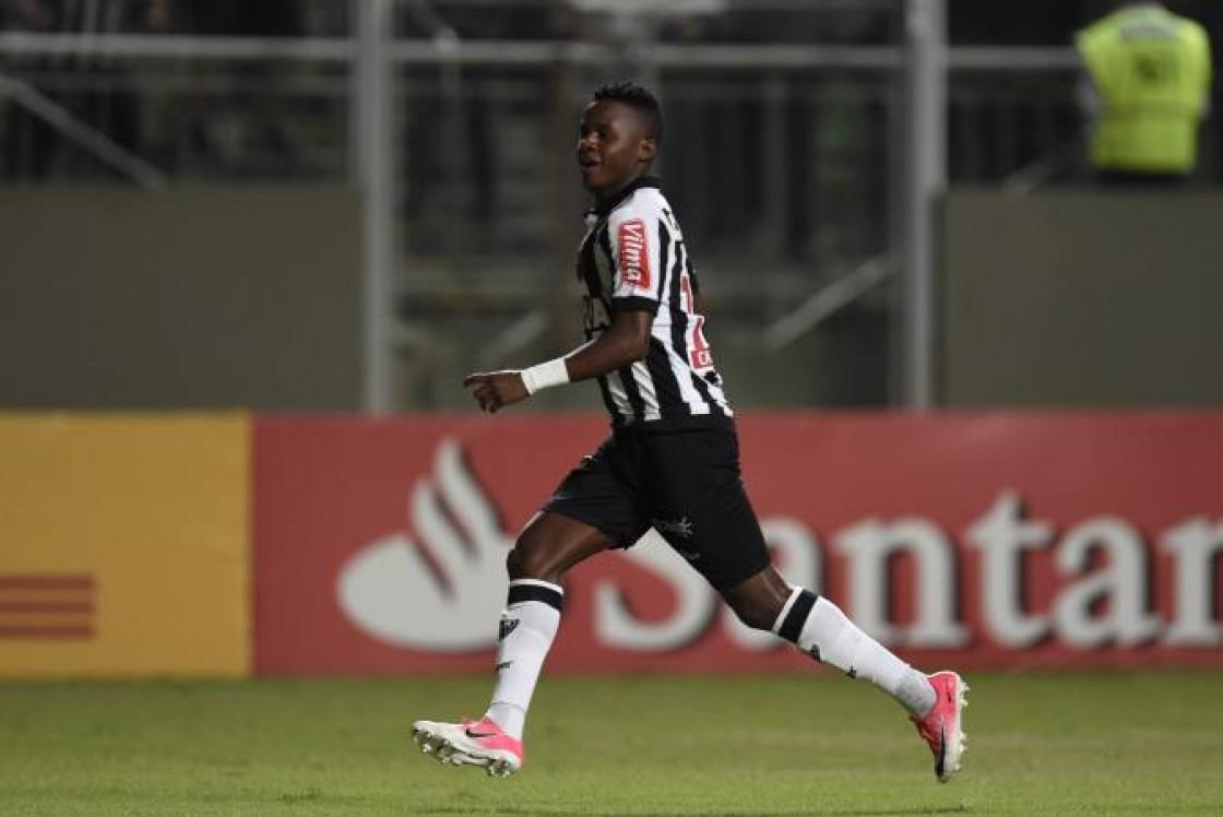 Atlético Mineiro superó por la mínima diferencia a Sao Paulo con Juanito presente hasta los 65'