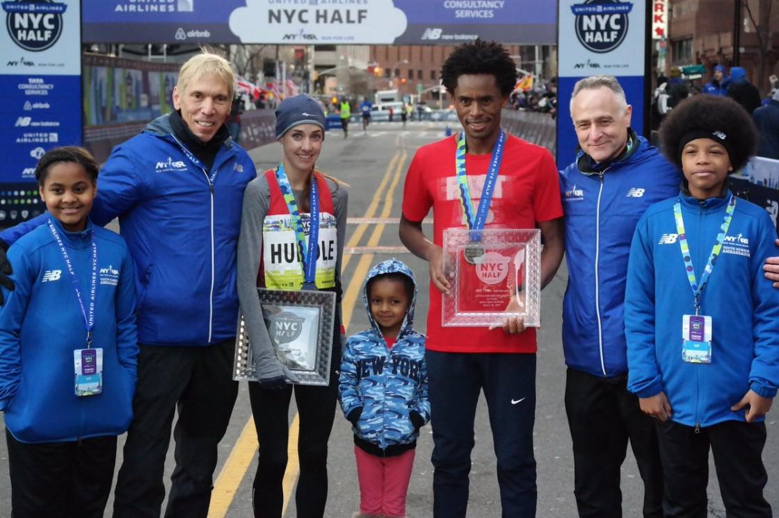 El medallista olímpico etíope Feyisa Lilesa y la atleta paralímpica estadounidense Susannah Scaroni se estrenaron como ganadores