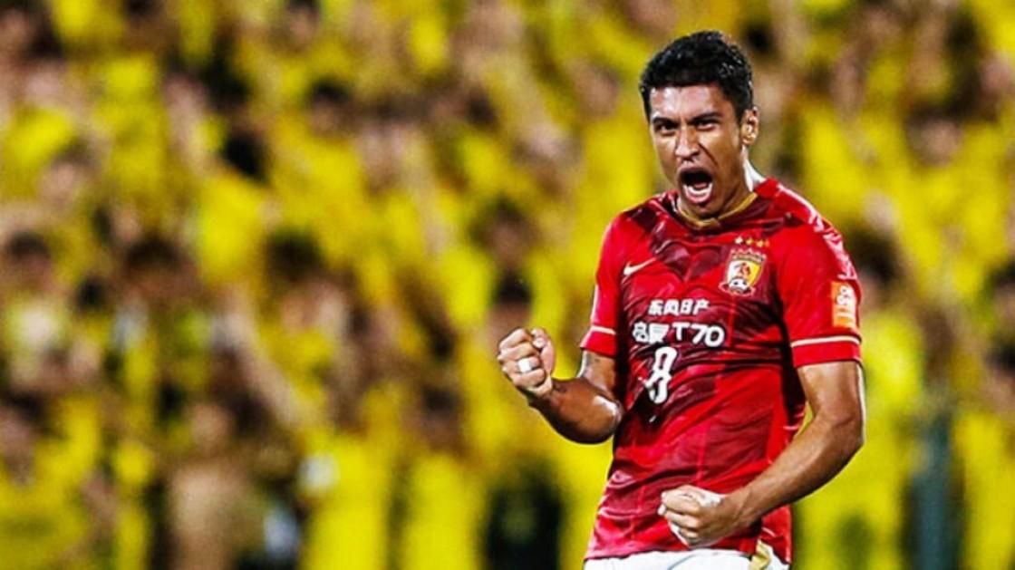 """""""Su traspaso al Barcelona es un honor no sólo para Paulinho, sino para todos los clubes de la liga china"""", dijo Zheng Zhi"""