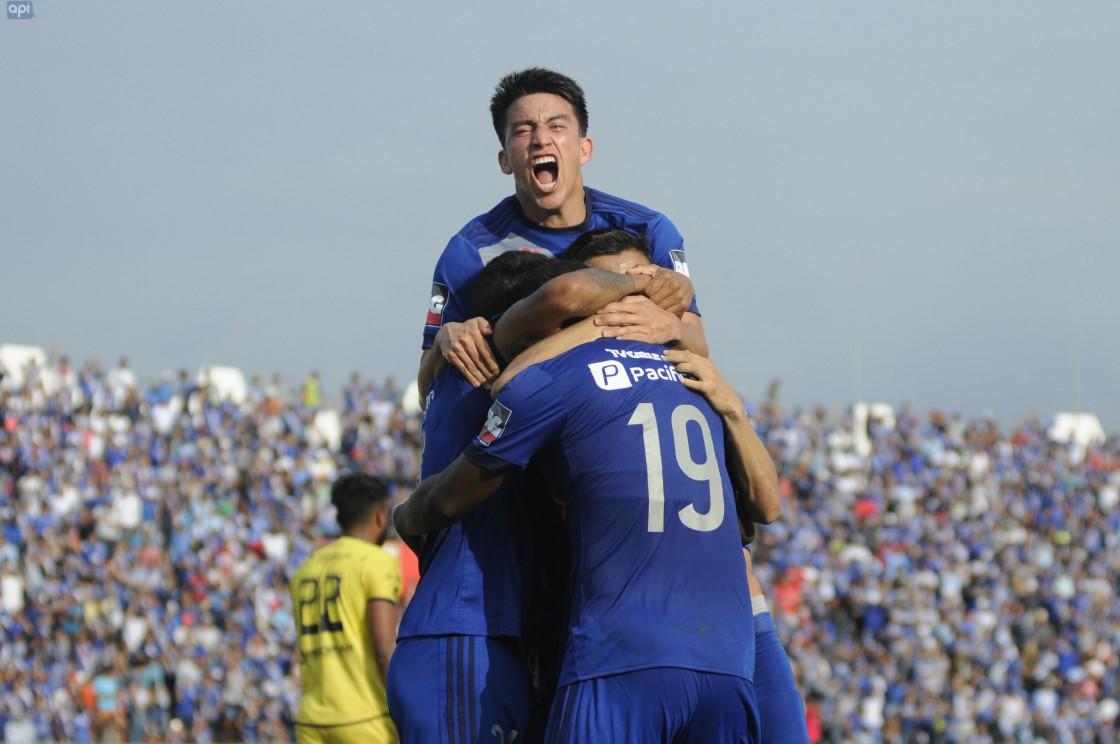 """Emelec se prepara """"sin pensar que hemos ganado algo"""" pero con el objetivo claro, dijo Fernando Gaibor"""