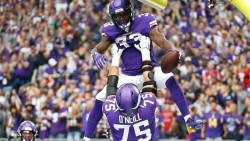 (28-12) Harris y Cook se combinan y marcan la victoria de los Vikings