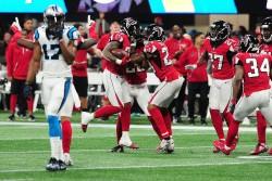 (22-10) Bryant da a Falcons boleto a playoffs y se enfrentarán a Rams