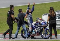 Márquez gana y Martín es campeón del mundo de Moto3