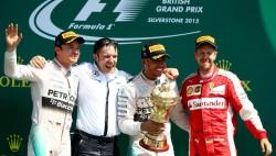 Hamilton reclama a Vettel el liderato en casa (Previa)
