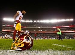 Hall acepta reducción de sueldo para continuar con los Redskins