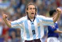 Batistuta defiende a Higuaín y lo pide en Mundial junto a Icardi y Benedetto