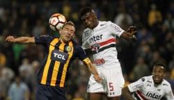 Robert Arboleda y Joao Rojas se quedaron sin técnico en Brasil