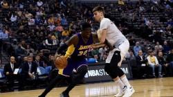 Derrotas de Warriors y Lakers ante Nuggets y Timberwolves; Juancho, 7 puntos
