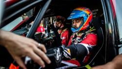 Alonso consigue su primer podio en Rallys: tercero en Arabia Saudí