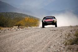 Carlos Sainz acaricia su segundo Dakar y Joan Barreda se rinde