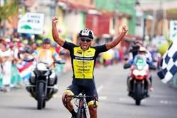 Jonathan Caicedo asume el liderato y Pedraza se impone en cuarta etapa