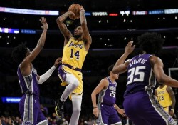(128-123) Ingram lidera primer triunfo de Lakers con LeBron James