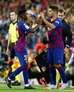 (5-2) El Barcelona de Ansu Fati y Luis Suárez agua el debut de Celades