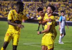 (2-0) Barcelona vence con autoridad y retoma el liderato