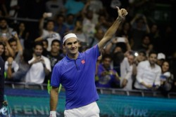 Roger Federer dona un millón de francos suizos para las familias de Suiza