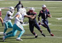 Newton, debut triunfal con Patriots; Brady, perdedor con Buccaneers (Resumen)
