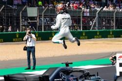 Hamilton logra la pole en casa con Vettel muy cerca