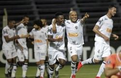 Juan Cazares, titular en caída del Atlético Mineiro en Argentina