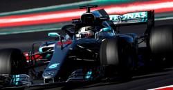 Ricciardo y Hamilton corren en 1:18, mientras que McLaren cambia el motor