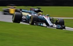 Mercedes domina la primera jornada de Interlagos sin lluvia