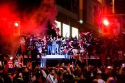 Decenas de miles de personas celebran en Toronto el triunfo de los Raptors