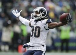 (31-33) Gurley corrió para tres anotaciones y los Rams siguen invictos