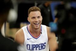 Griffin sufre conmoción en duelo contra los Warriors