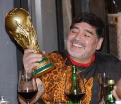 """Médico de Maradona dice que hizo """"lo mejor"""" que pudo y niega responsabilidad"""