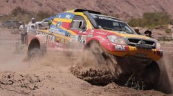 Guayasamín, primer ecuatoriano en finalizar el Dakar