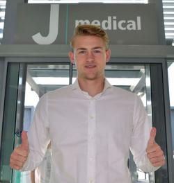 De Ligt supera el reconocimiento médico previo a su fichaje por el Juventus