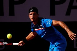 Emilio Gómez gana su primer partido de la fase de calificación en Roland Garros