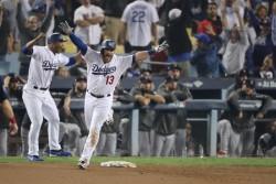 (3-2) Jonrón de Muncy da triunfo a Dodgers en partido más largo de la historia