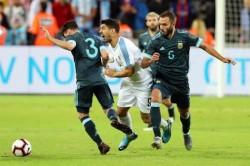 (2-2) Messi y Luis Suárez empatan el Clásico del Río de la Plata