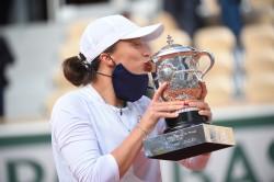 Swiatek arrasa a Kenin y gana en Roland Garros su primer grande