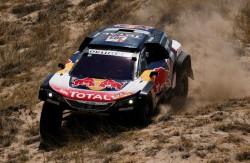 Carlos Sainz mantiene a raya a Peterhansel y está más cerca de ganar el Dakar