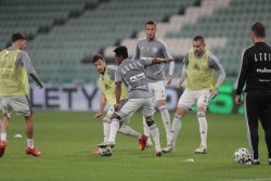 Debut de Joel Valencia con el Legia Varsovia