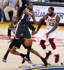 Cavaliers, listos para el triunfo; Warriors sin presión en Tercer Partido
