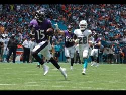 (10-59) Jackson hace cinco pases de anotación y Ravens humillan a Dolphins