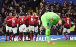 El United reacciona, el 'Toño' no aparece