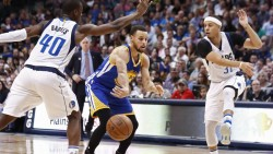 Warriors amplían racha ganadora y refuerzan liderato; ganan Spurs y Clippers (Resumen)
